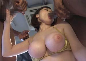 【エロ動画】規格外のデカさを持つ黒人棒でズッポシ貫かれる巨乳美女!(*゚∀゚)=3