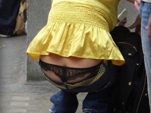 (ローライズえろ写真)このローライズとかいうのってパンツ見せる事が前提か☆?ww