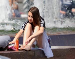 (海外パンツ丸見ええろ写真)海外の女子たちがパンツ丸見えしている写真集めたった☆