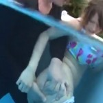 【エロ動画】プールで恥辱を与えられまくったビキニ美少女!(*゚∀゚)=3