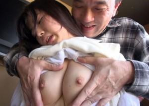【エロ動画】ムチムチ18歳美少女がキモ男集団に中出しされまくり!(;゚∀゚)=3
