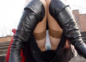 (パンツ丸見ええろ写真)誘っているなら言って欲しいww下着を故意に見せる人達(;´Д`)