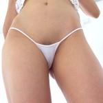 【下着エロ画像】この奥にはそう…女性器の気配を強く感じるパンツ姿(;゚Д゚)