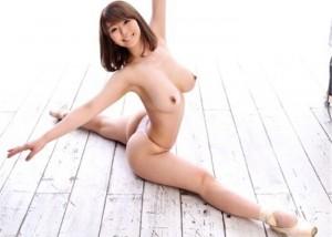 (軟体えろ写真)合体手段が沢山ありそう☆軟体モデルの過激ポーズ(;・∀・)