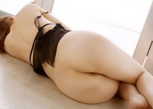(美尻えろ写真)横になってる姿は何故か惹かれる寝た生尻☆(;^ω^)
