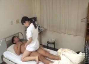 (えろムービー)患者を脱がせて上に跨っちゃう献身的なナァス☆(;゚∀゚)=3
