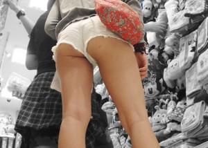 【ハミ尻エロ画像】ぷりっとした肉の具合が素敵!ホットパンツハミ尻追跡(;^ω^)