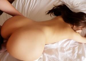 (性交渉えろ写真)凄い締め付けが味わえるかもしれない後背位SEX☆(;´∀`)